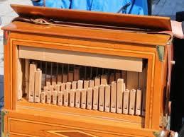 Crank organ - 1
